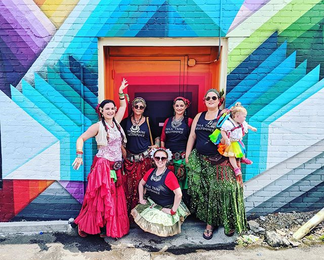 Tula Tribe felt the tomato vibe and danced the streets of Nashville's Tomato Art Fest! 💃🏻🍅 . . . #tomatoartfest #eastnashvilletomatofest #tomatoartfestival #mural #buildingart #goodgraffiti #tulatribe #ATS #dance #dancers #ATSdance #dancelife #dancesisters #sisterhood #fatchancebellydance #tribaldance #wildhearts #gypsy #gypsies #tribalstyle #bohemian #tribe #bellydance #atsdance #tribelove #americantribalstyle #americantribalstylebellydance #freespirits #tribal #nashvillearts #thingstoseeinnashville
