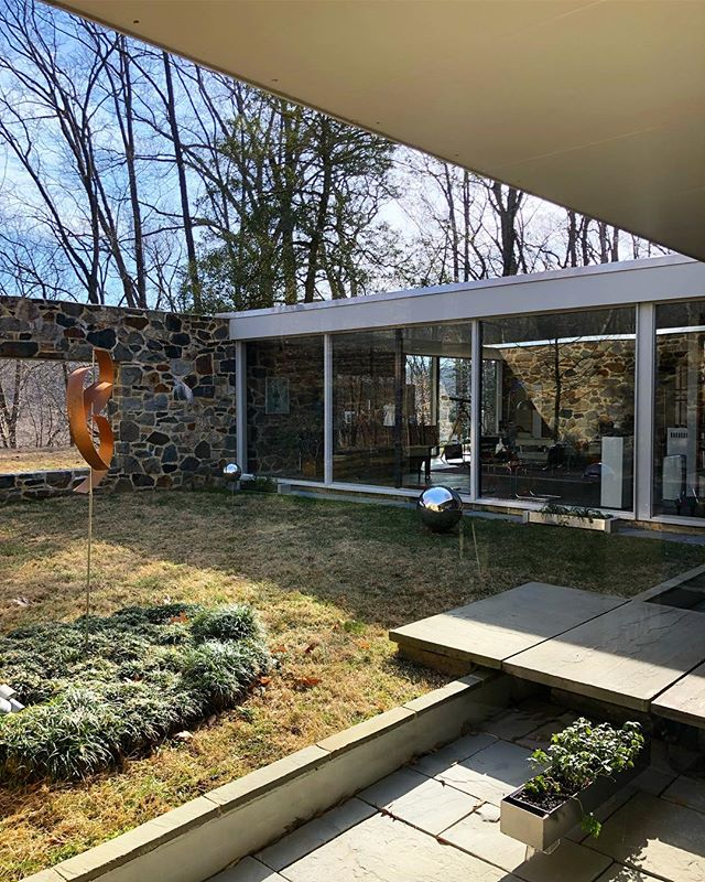Spent the morning touring Marcel Breuer's Hooper House in Baltimore thanks to a gorgeous white Wassily Chair I brought to the owners! #drosemod #marcelbreuer #bauhaus #modernism #hooperhouse #breuer #modernism #wassily #bentley #bentayga #design #architecture