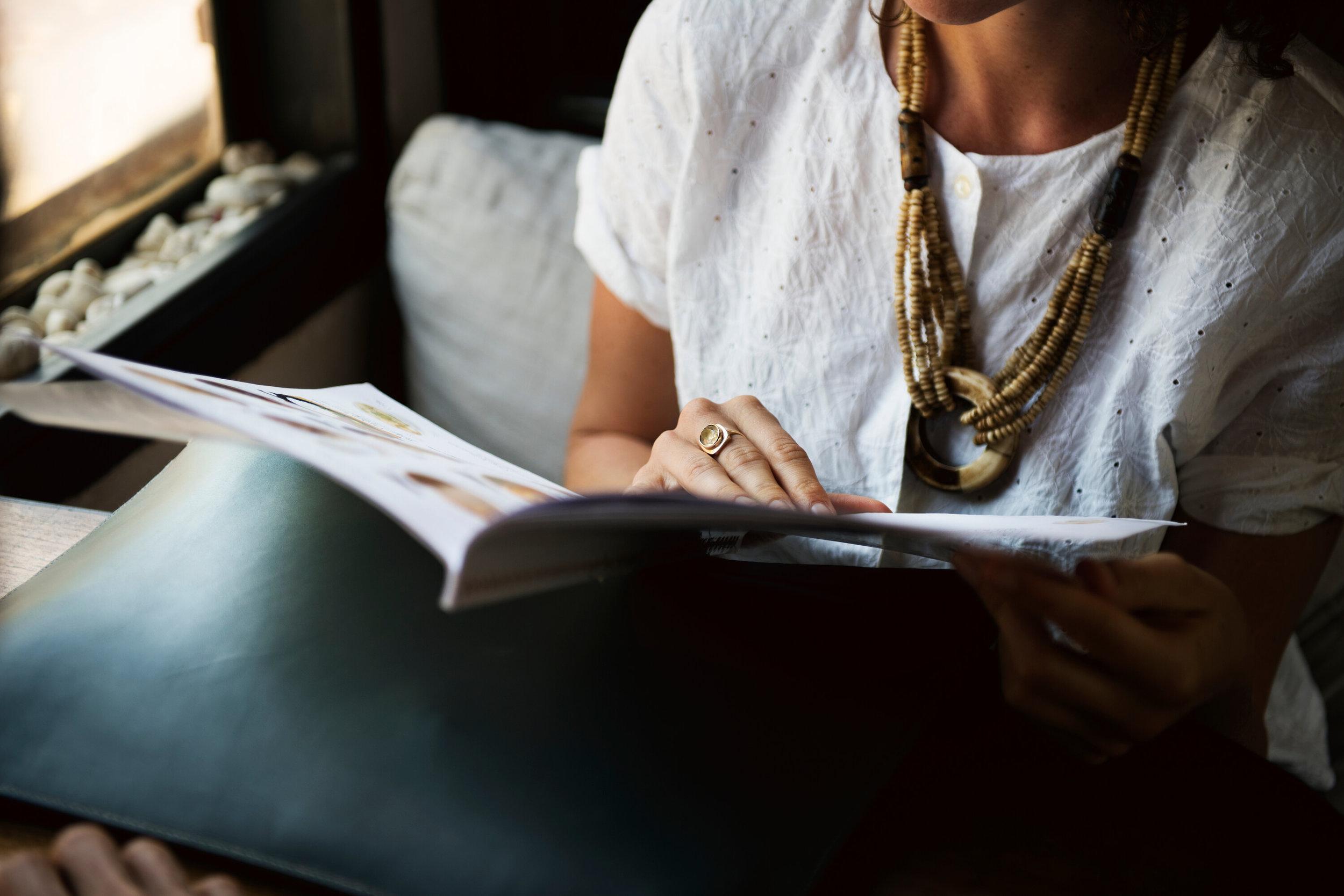 hatch-tribe-women-reading-books-entrepreneurs-business