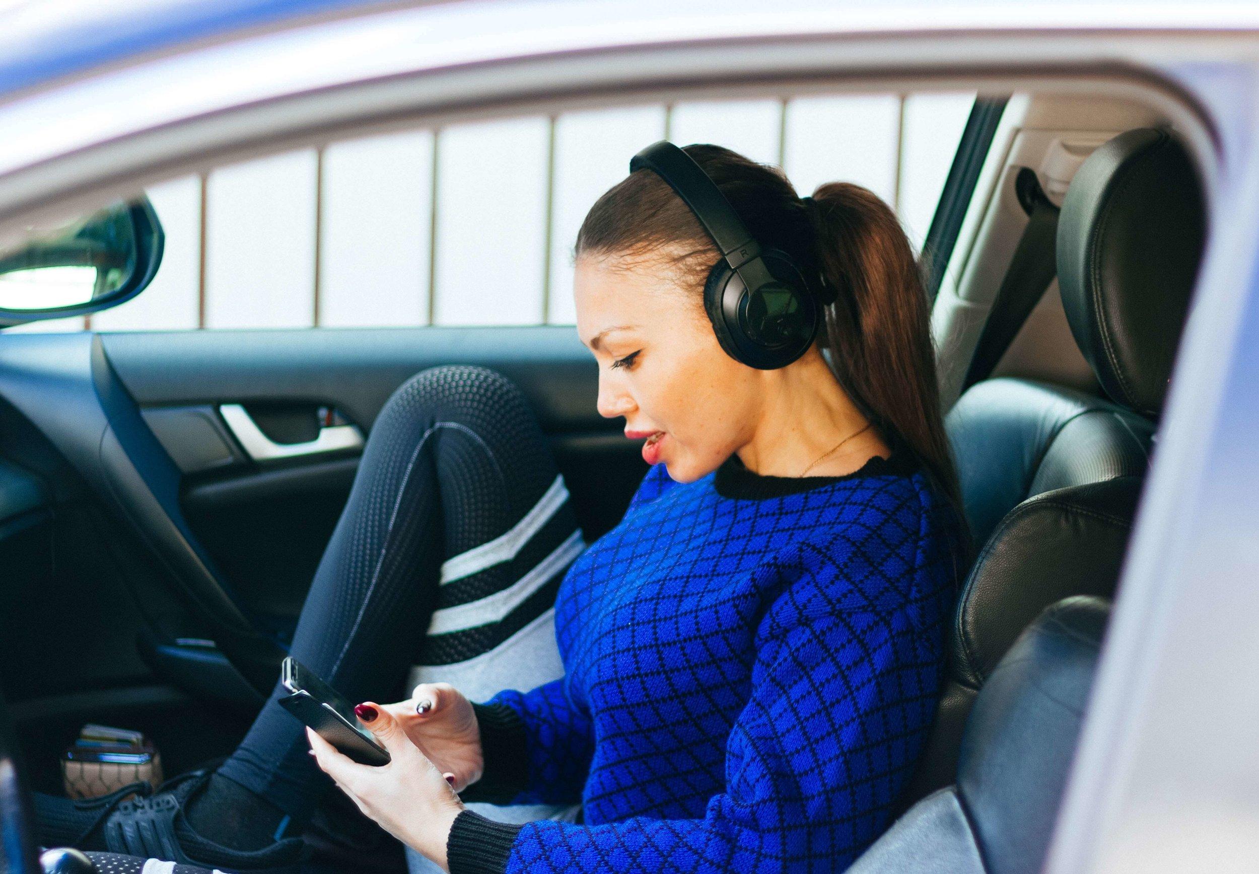 best-podcasts-to-listen-to-women-entrepreneurs