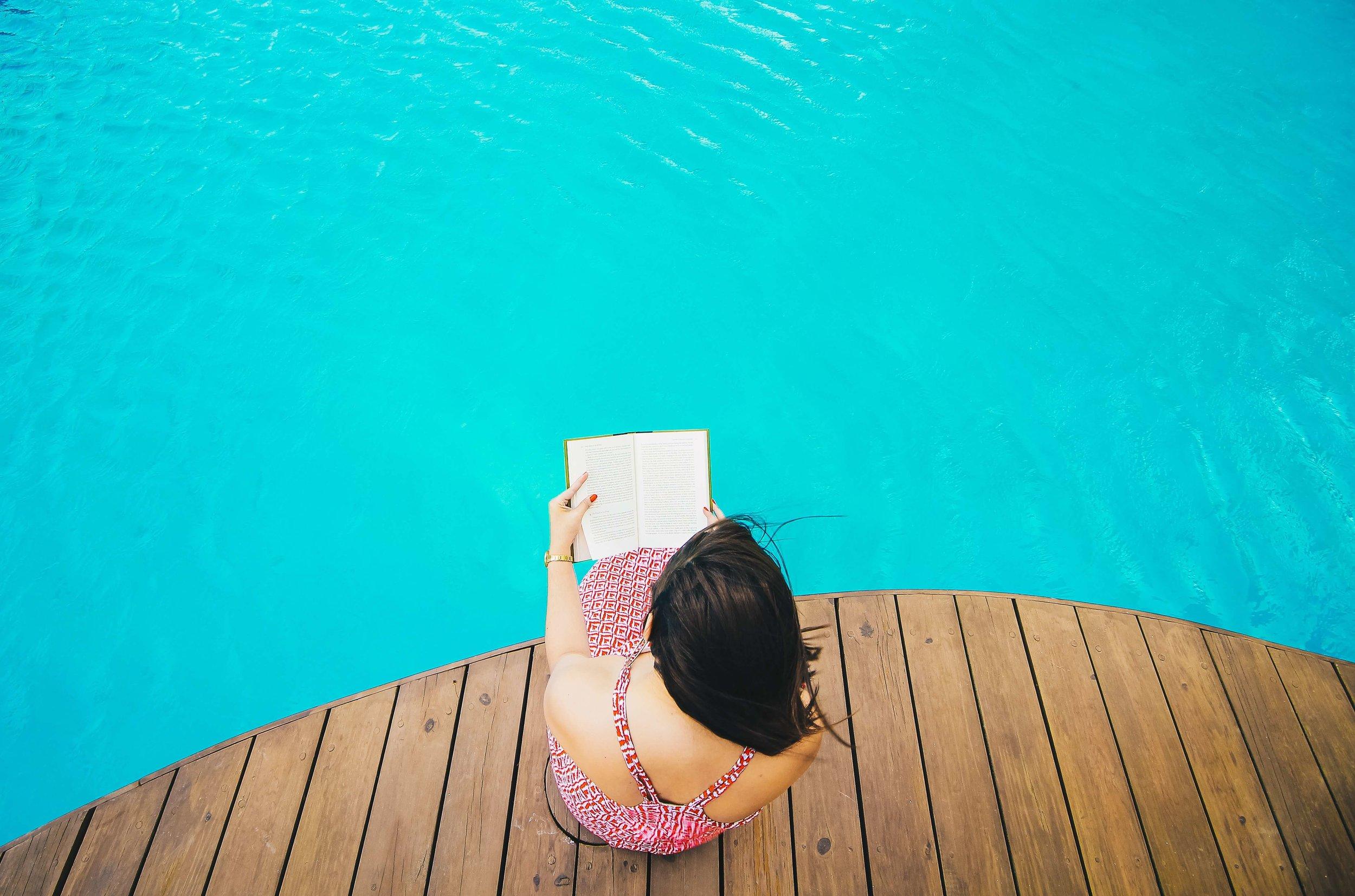 HATCH-TRIBE-READING-BOOK-ENTREPRENEUR-business-book-club-free-giveaway-women-female-business-entrepreneur