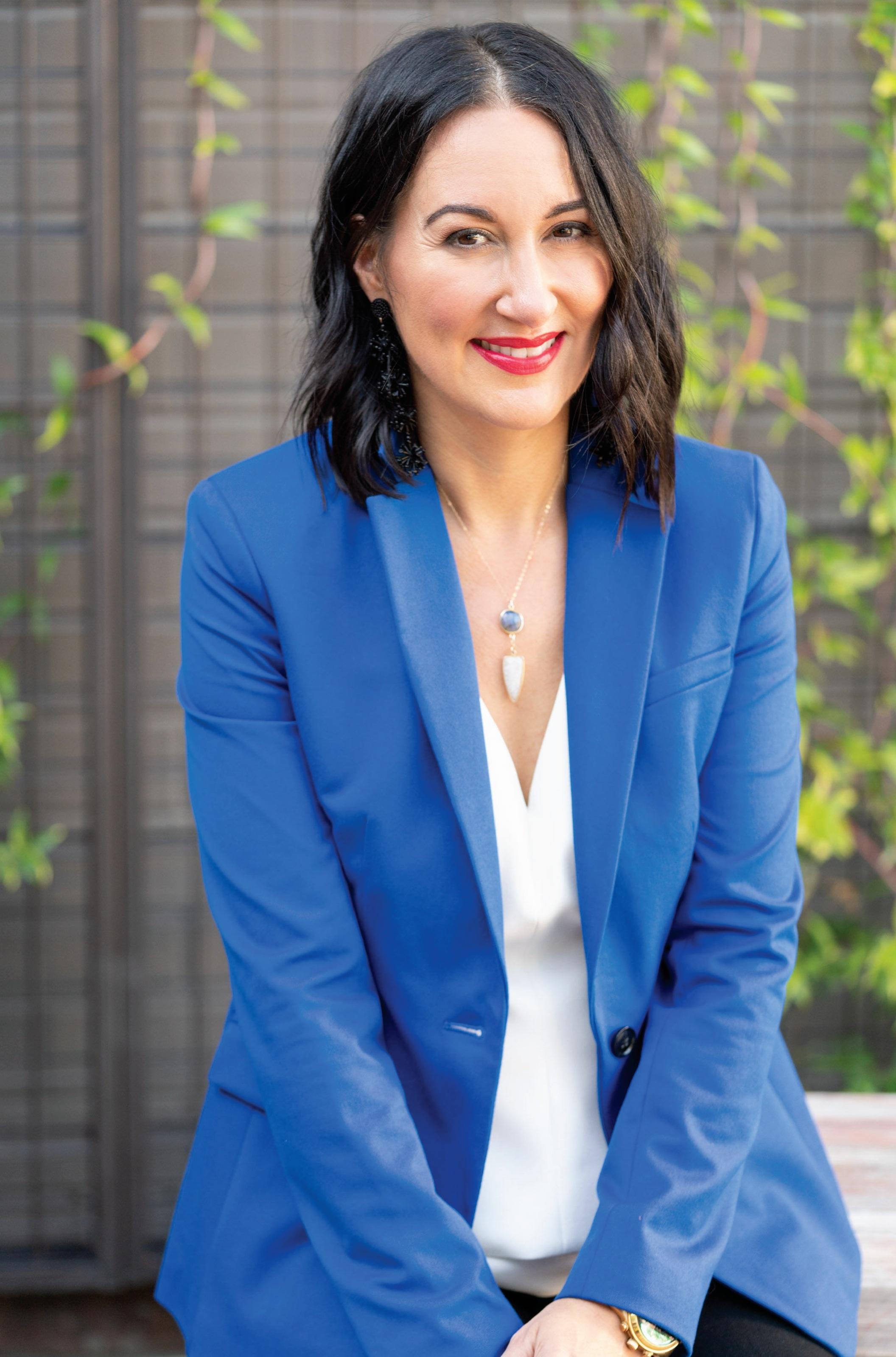 elissa-naufus-founder-ballywho-social-media-management