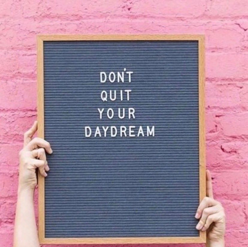pegboard-sign-don't-quit-your-daydream