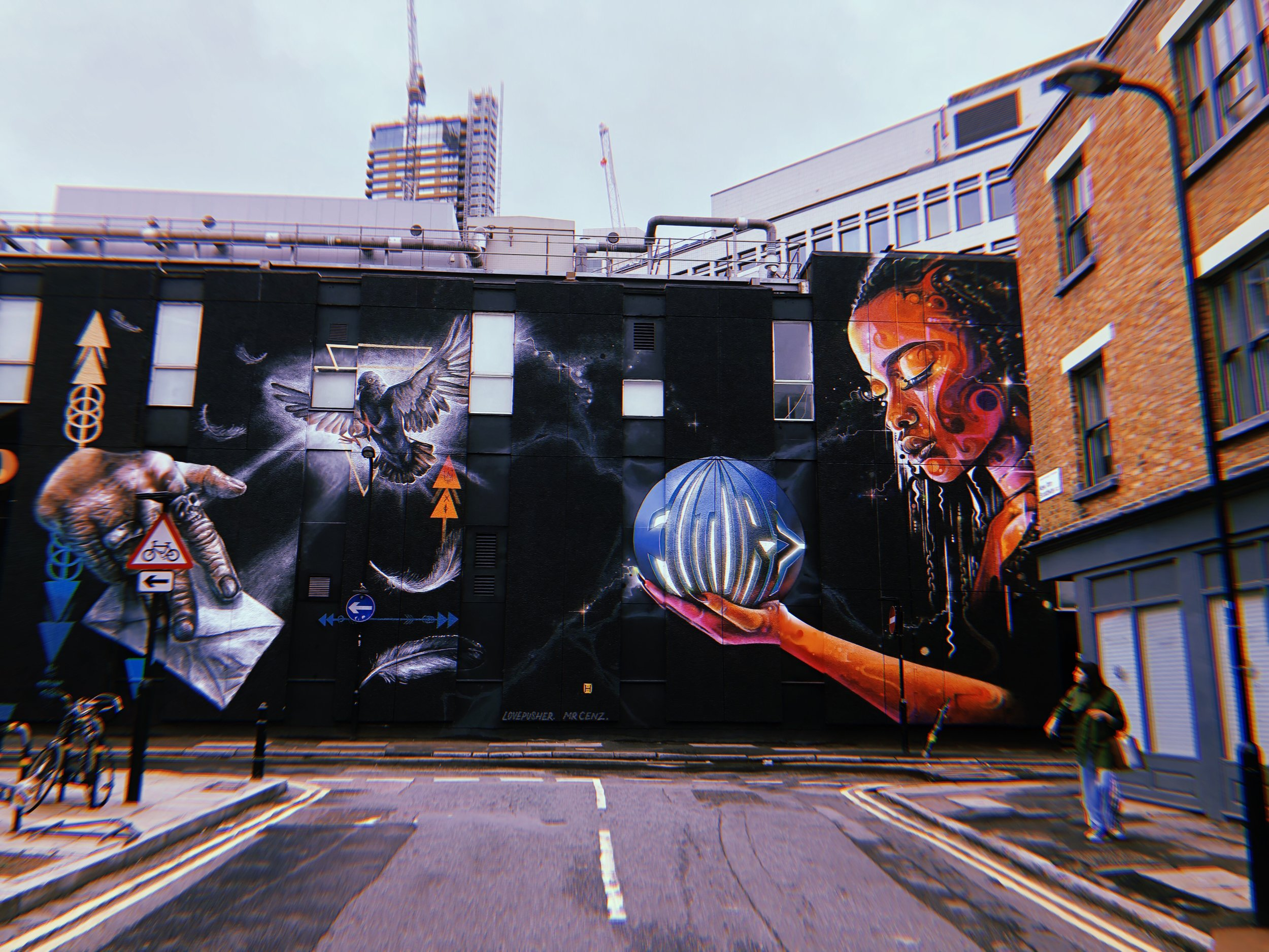 Shoreditch- It's in your Hands...