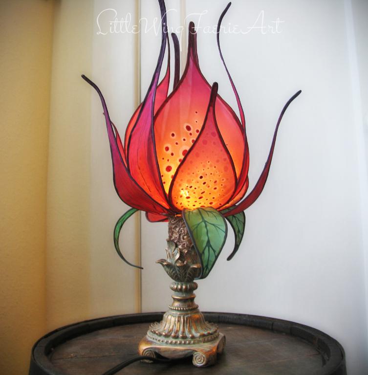 rosylotuslamp1.JPG