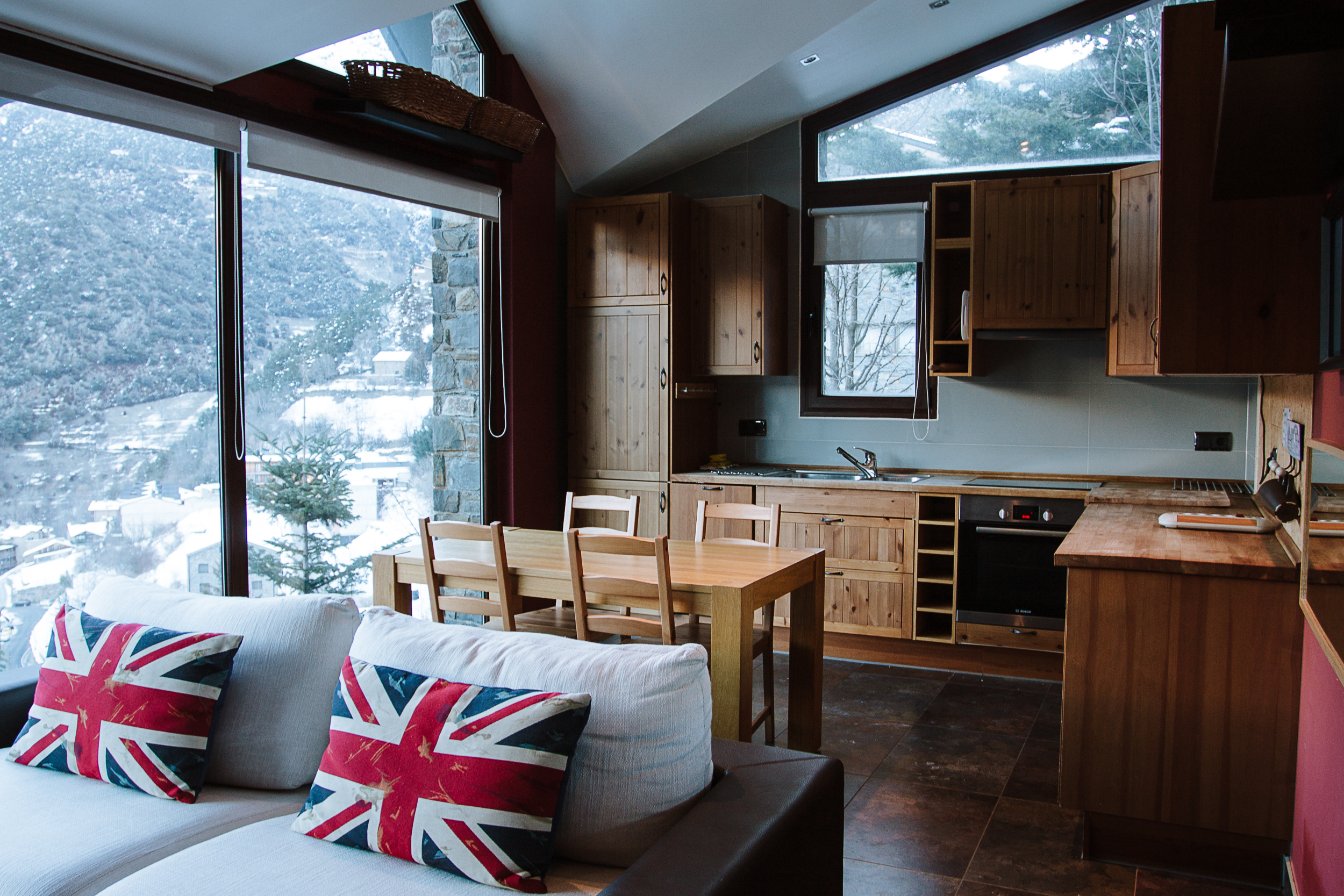 A huge thank you to the host Victor for providing accommodation during our stay in Andorra. Link to Casita en la montaña Airbnb profile in the footer.