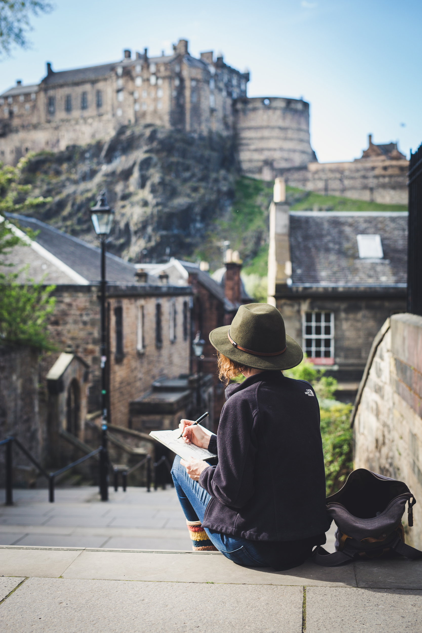 Sketching out in the world is one of my favourite things to do… Here I am in a treasure of a city - Edinburgh!