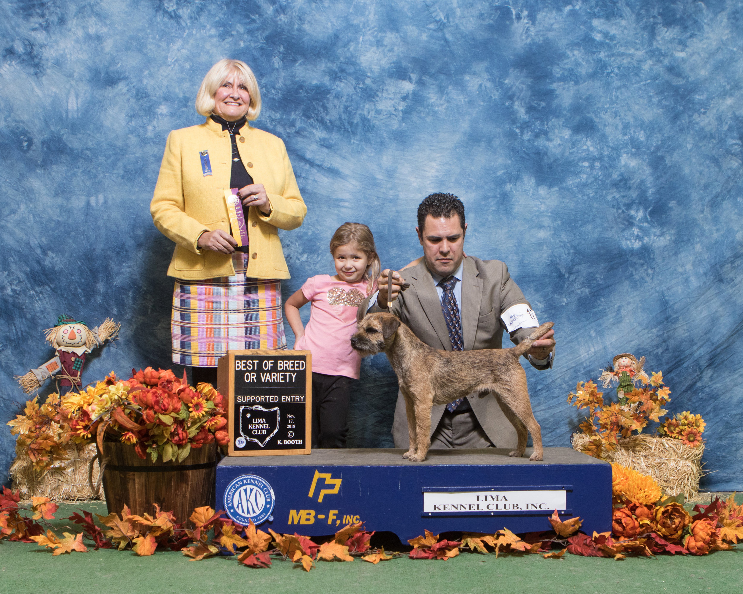 It's Official – Jackson Goes Silver Grand!  Our good boy Jackson (GCHS CH Loch Cu's Jackson at BriarKeep) earned his Silver Grand Championship at the Mid-Ohio cluster with 3 5-point majors including a BOB, BOS, and Select among competitive border terrier supported entries. He is such a solid competitor. We appreciate Leonardo Garcini's (and his team's) beautiful preparation and presentation of our boy. 12/9/18