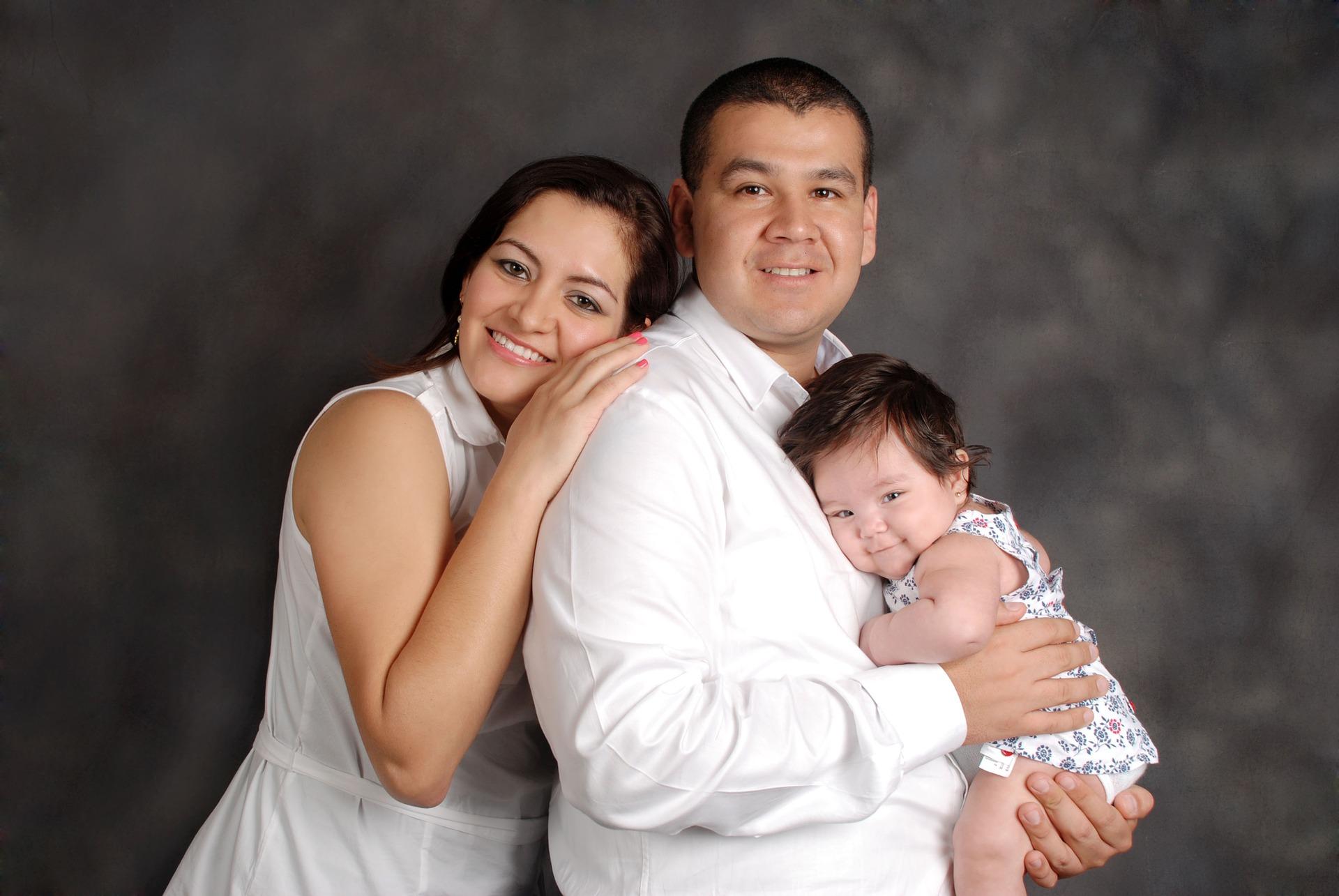 family-829308_1920.jpg