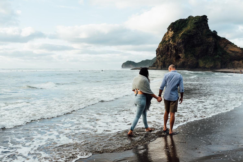 Willa and Michael Piha beach (22 of 35).jpg