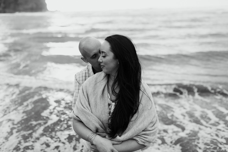 Willa and Michael Piha beach (26 of 35).jpg