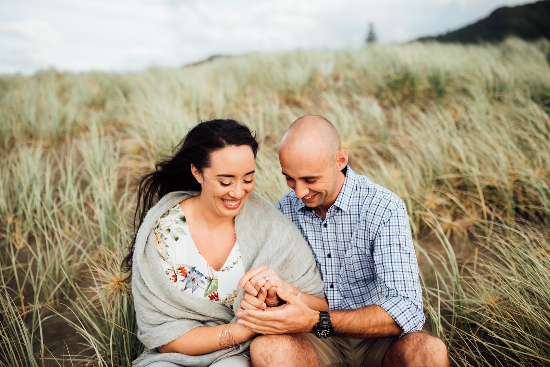 Willa and Michael Piha beach (30 of 35).jpg