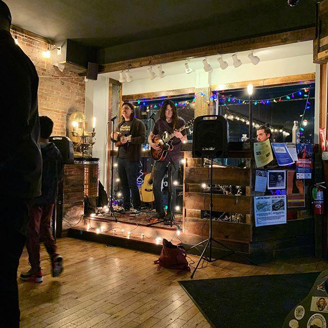 @bookerymht tonight at 6:30! We're gonna Light it up!!! Come on out peoples! 🤗⛈🌞🏙 #sensitivemen #bookery #tonight . • • • • • #bandlife #folkpop #popfolk #indie #indiefolk #indiepop #altfolk #band #liveband #nhmusic #manchester #manchesternh #lights #bandphoto #liveband #livemusic #folkmusic #bandphotography #secondtolast