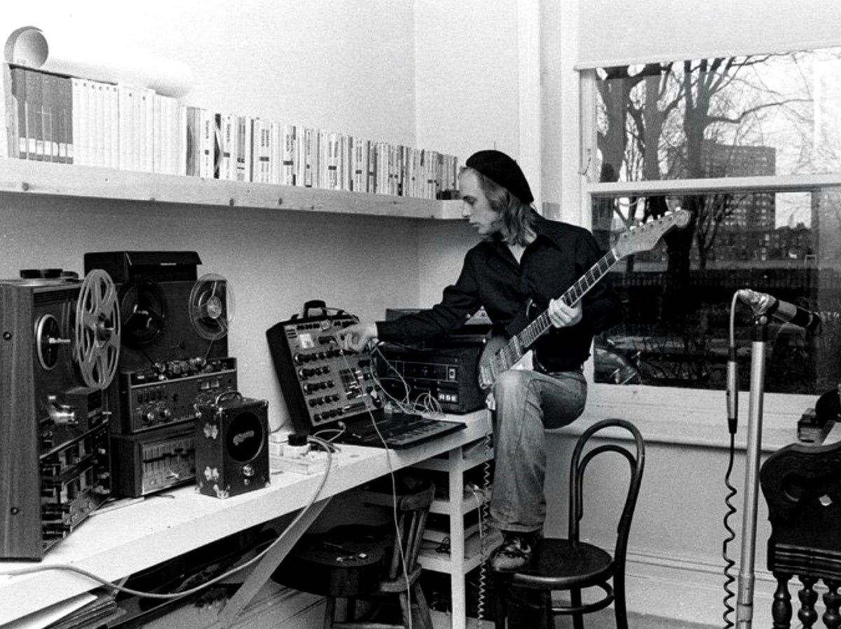 Brian-Eno-EMS-Synthi-AKS.jpg