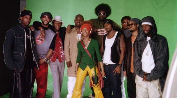The Soulquarians (from l-r: Talib Kweli, Common, Mos Def, James Poyser, Erykah Badu, Questlove, D'Angelo, Q-Tip, Bilal and J Dilla)