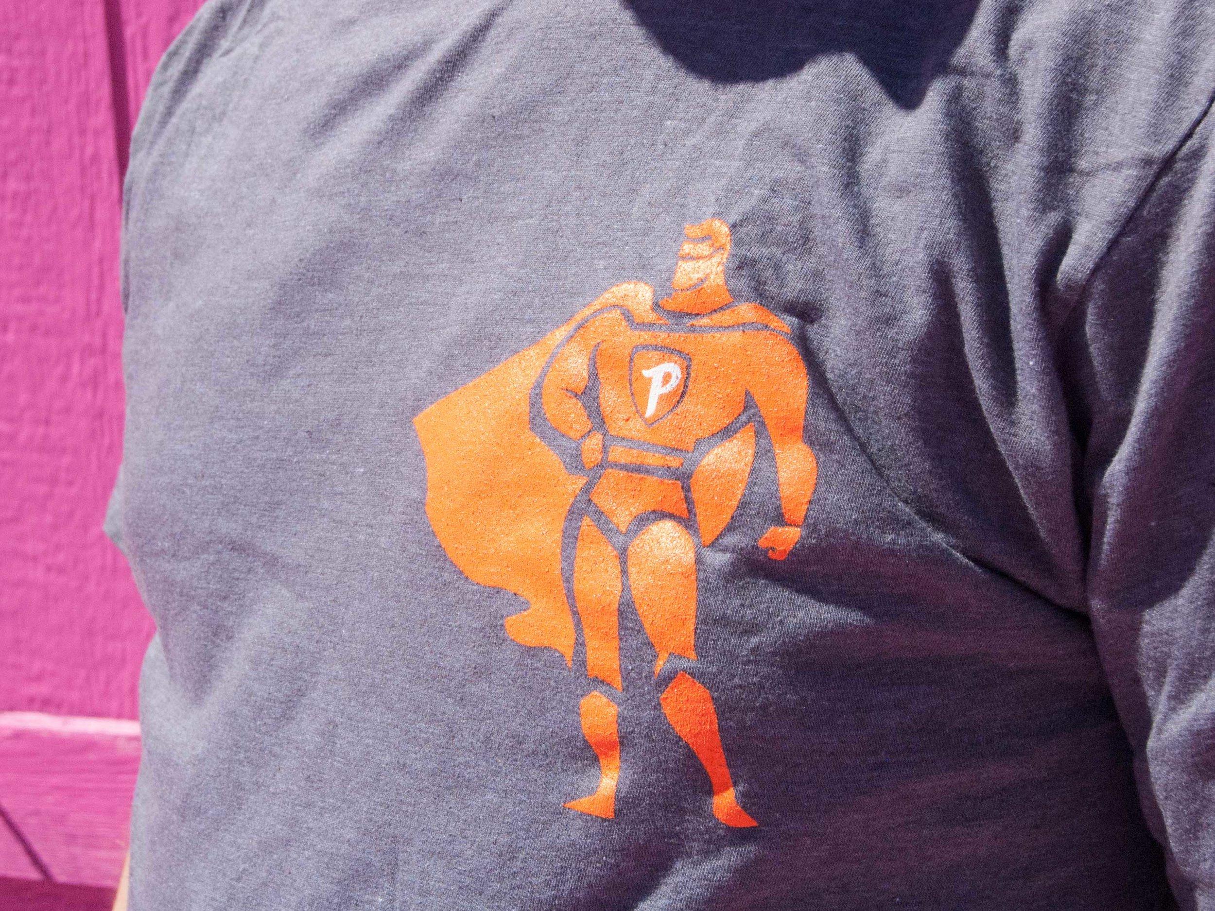 portfolio-puesto-promo-hero_shirt-4x3-DSC_0074.jpg