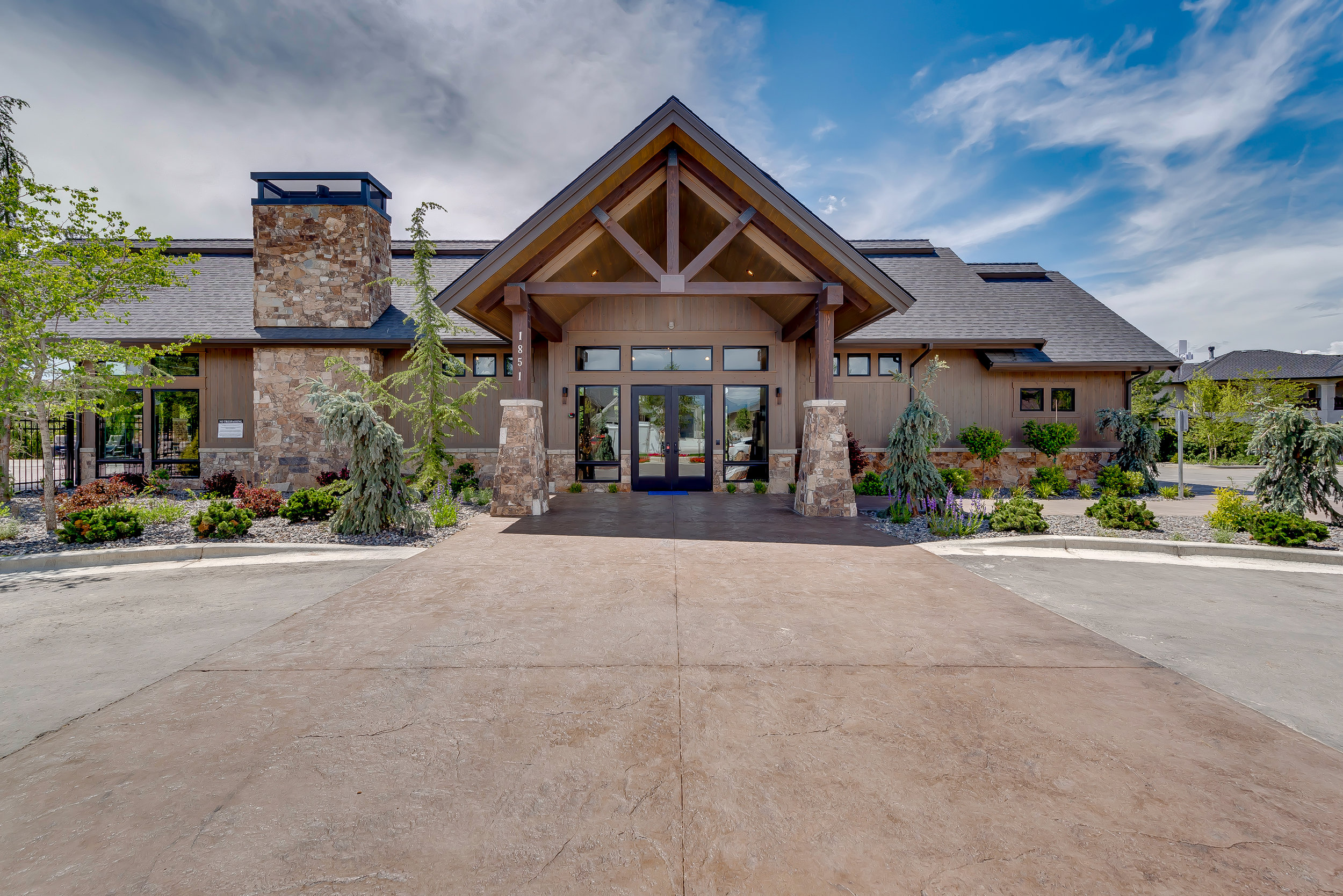 12-Williamson River Ranch Clubhouse.jpg