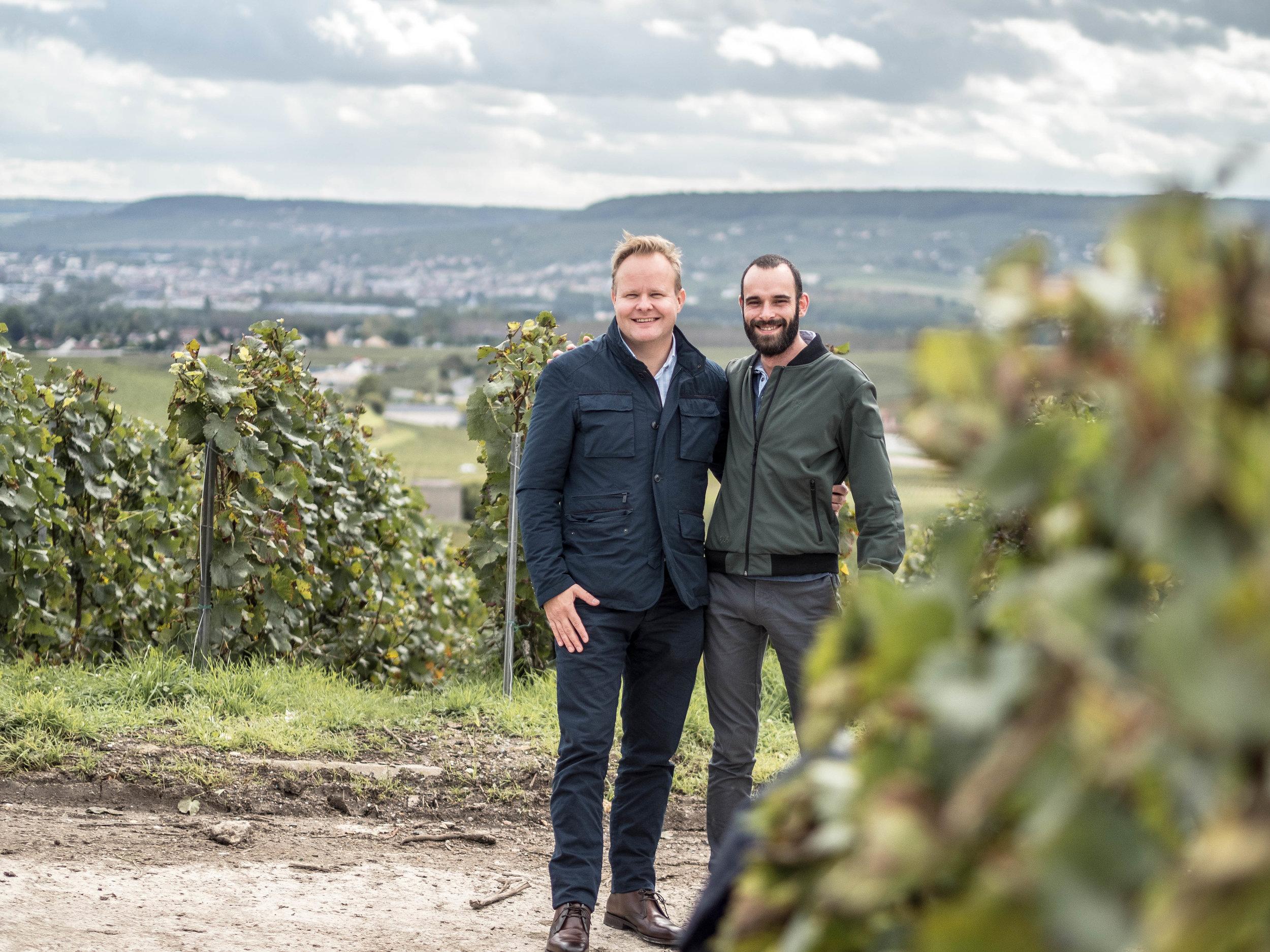 tiimi  Yhteistyötiimi, Viinitien Toni Immanen sekä Autréau-suvun nuorin viinitekijä Laurent Autréau.