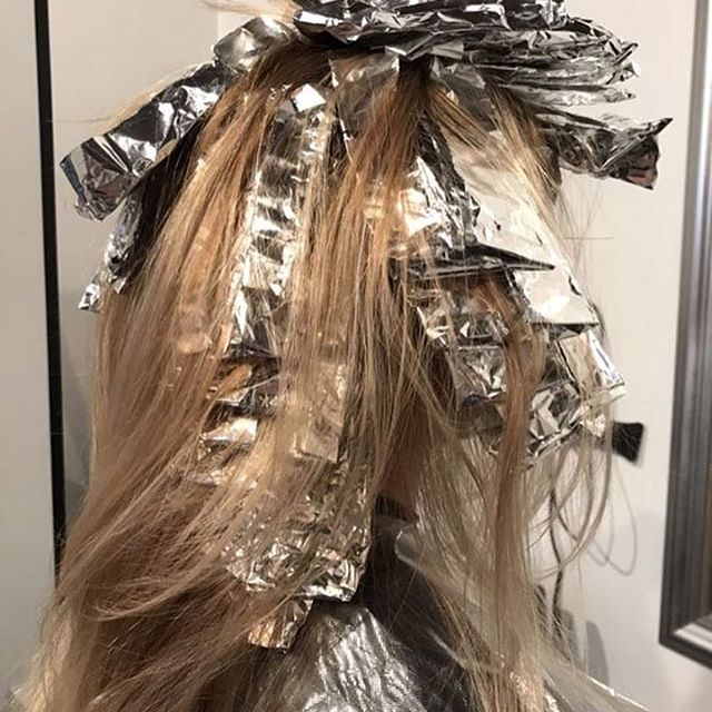 When you have a beautiful canvas to work with #hairstyles #haircolor #haircolorist #beautiful #blonde #style #paris #parisianstyle #parisianchic #expatlife #expatwoman #foxlika