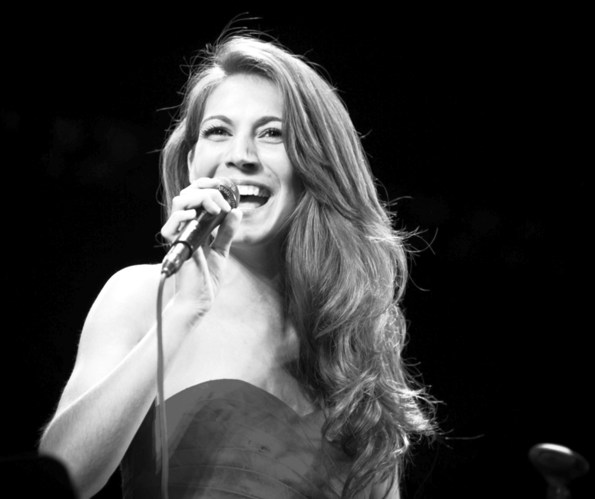 Vocalist Elise Cardinale