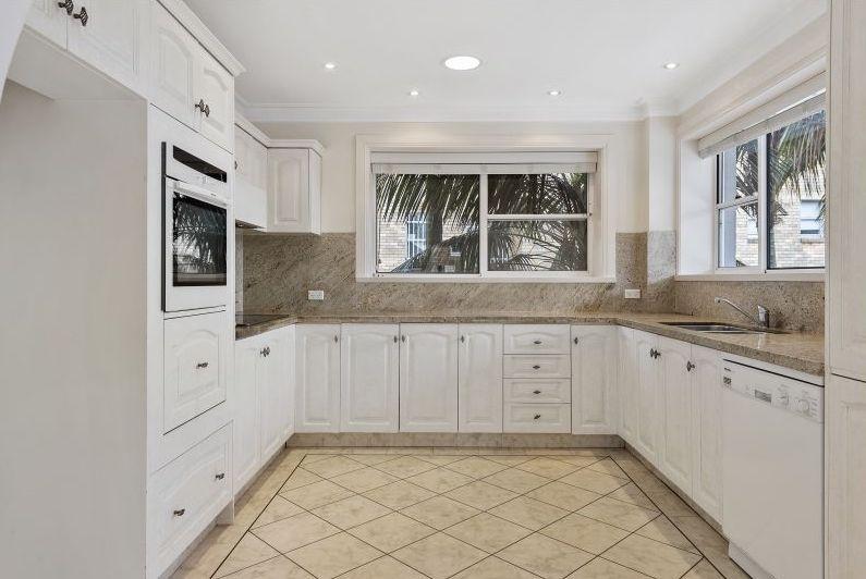 Mosman - Kitchen.jpg