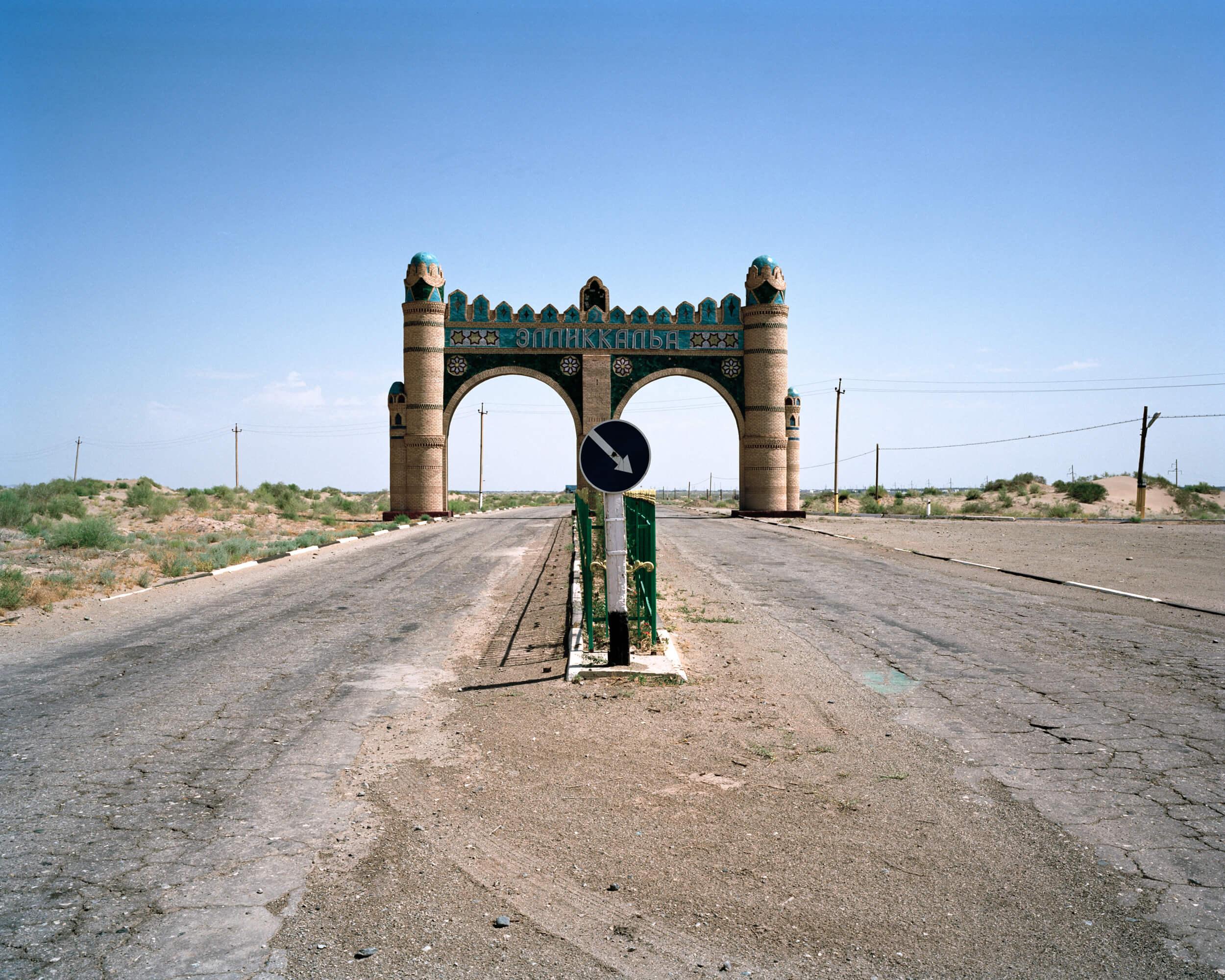 marco-barbieri-water-in-the-desert-6.jpg