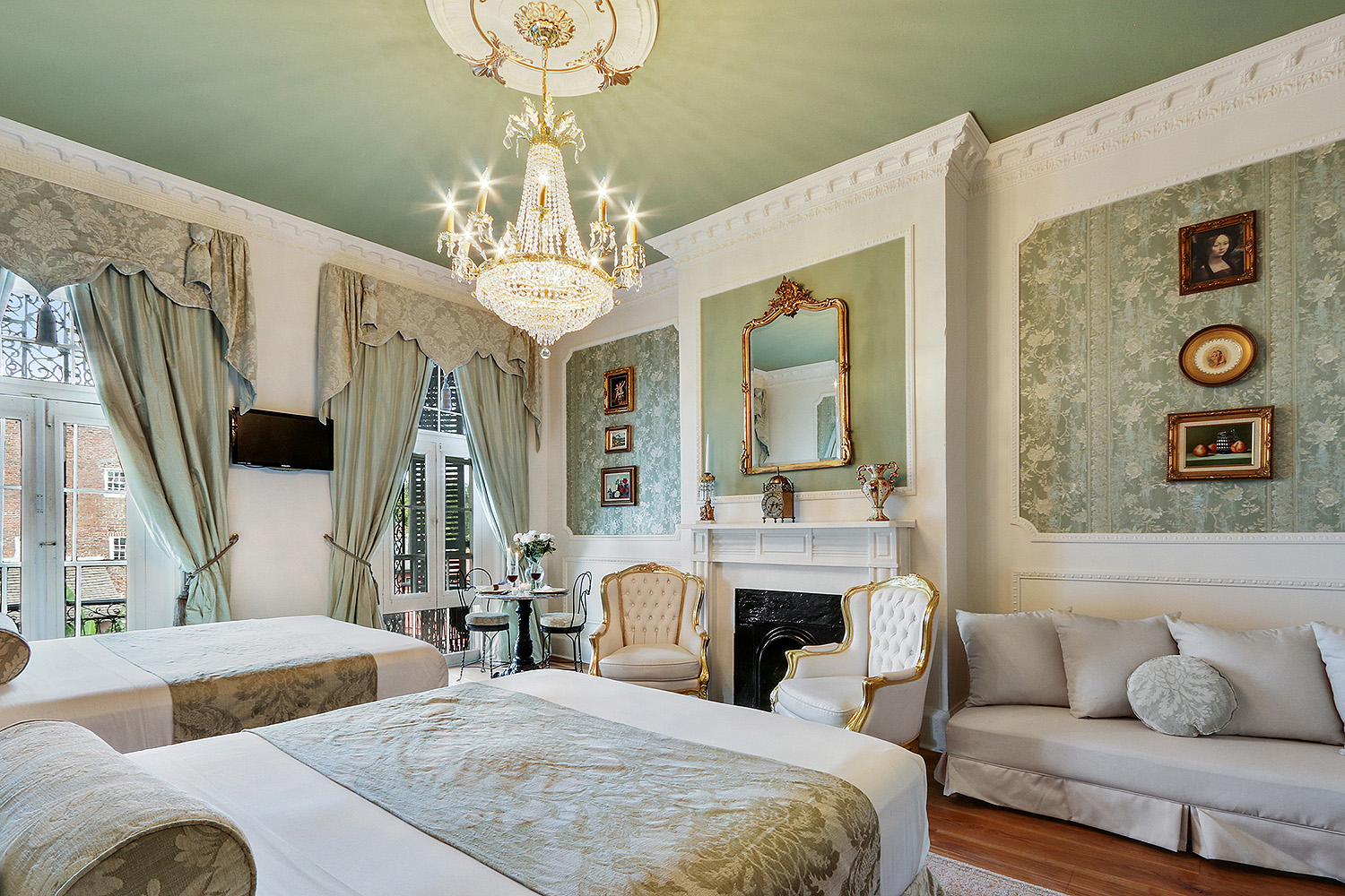 New-Orleans-airbnb-luxury-rental-french-quarter.jpg