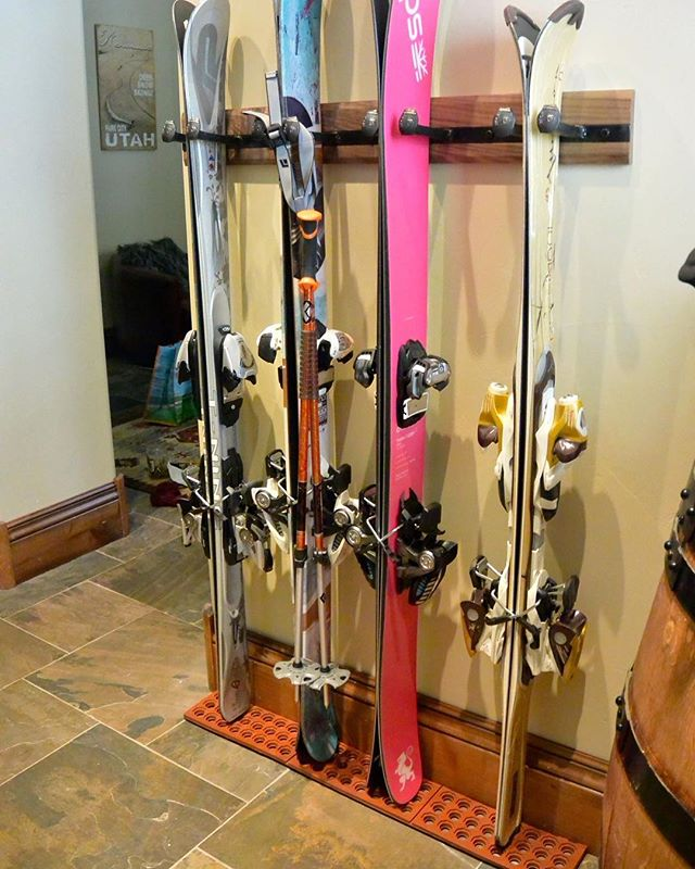 Because you asked, we are now selling our signature magnetic ski racks without the drip tray and with a rubber mat for places where a little water on the floor is no biggie. For a limited time we are selling the 4 rack for $250, and the 2 rack for $125! Check out the site in our bio to purchase. ⠀ .⠀ .⠀ .⠀ #RealAdventureDesign #RADicallyorganized #Handmade #madeintheusa #mountainart #ski #organization