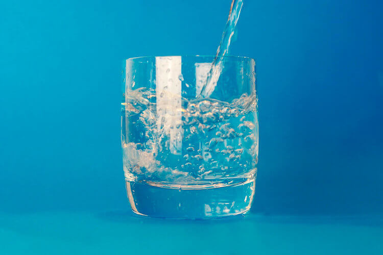 How Much Water Should You Drink When You Have Incontinence?