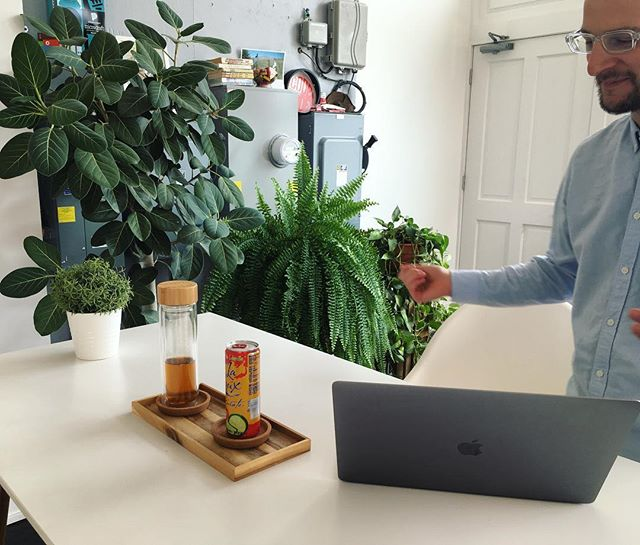 When your co-space friend curates a lush green jungle setting for your Thursday afternoon strategy meeting complete with tea and fizzy water 🌱🌿🍃 I appreciate your attention to detail and design @trischlerdesign 👌🏼 . . . . . #graphicdesign #design #logo #branding #freelance #work #illustration #socialmediamarketing #socialmedia #instabusiness #selfemployed #work #smallbusiness #digitalmarketing #typography #photography #artdirection #facebookmarketing #copywriting #agency #wellness #strategy #cincinnati ##cincinnaticreatives