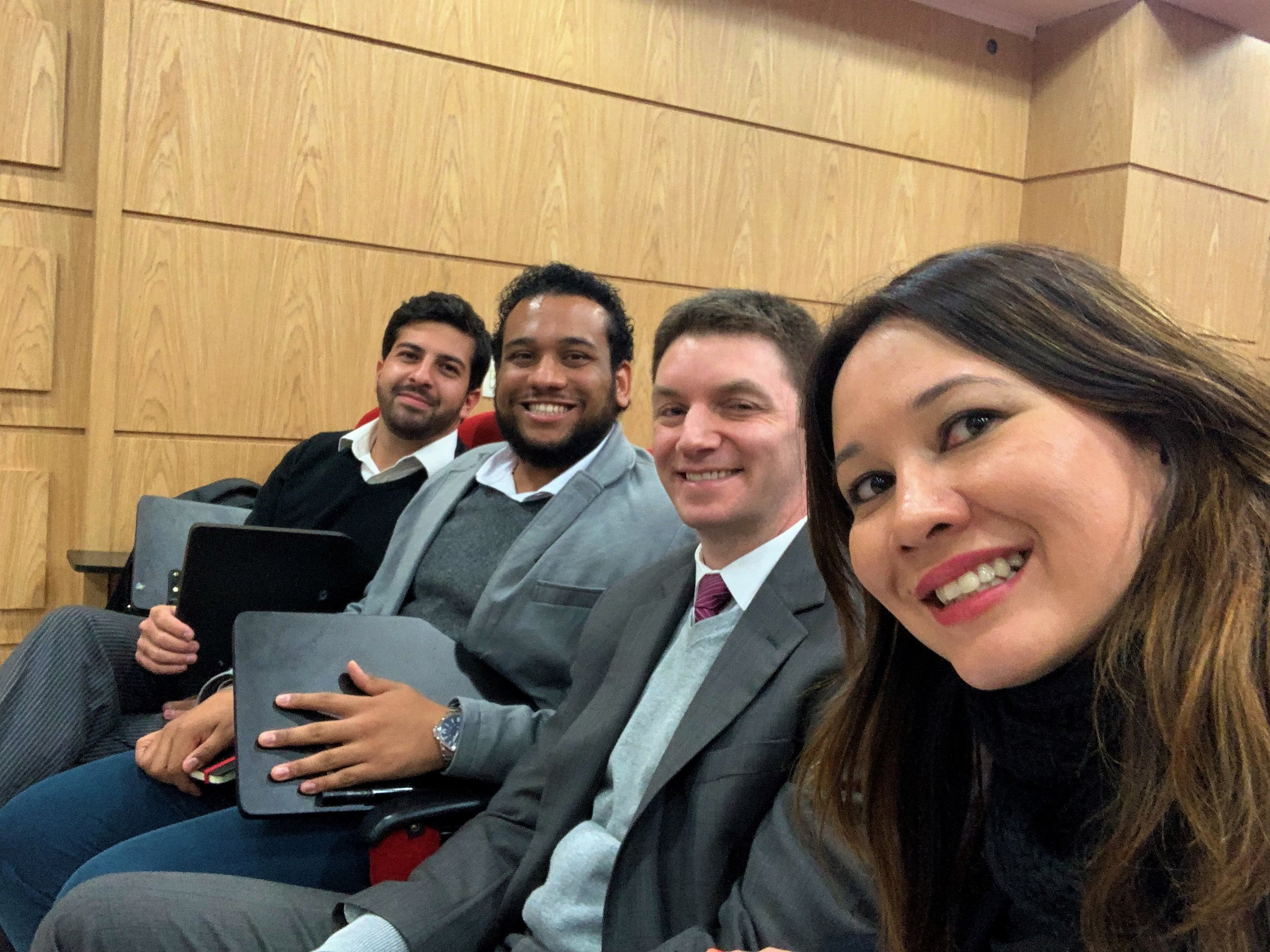 Professores Fernando Magri, Nikolay Bispo, Rafael Marcondes e Gabriela Araujo, na plateia, prestigiando o evento.
