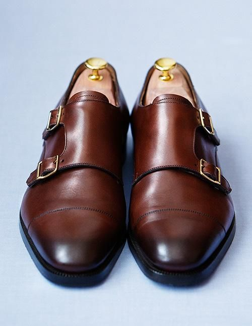 6. RALPH LAUREN MONK STRAPS - Polished, well-constructed and versatile. You can dress a pair of monk straps with fitted khakis and a chambray shirt or pair it with a tailored blazer for a buttoned-up business casual look. I've been rocking my Ralph Lauren pair non-stop this month, they are classic yet unconventional at the same time. Get at it!