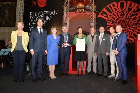 Presentation of the Silletto Award 2013 to MAS at EMYA Tongeren, Belgium