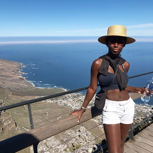 📍views from the table mountain peak overlooking #capetown 😍☀️