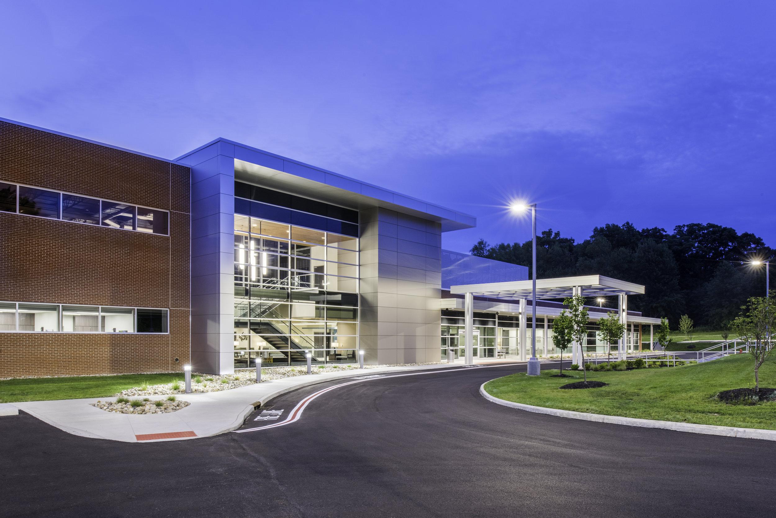 Howland Medical Center - WARREN, OH