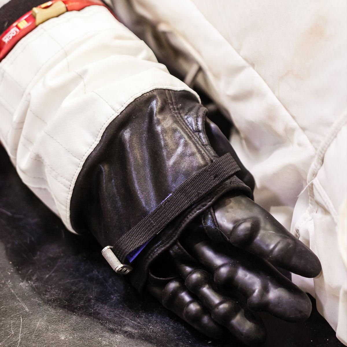 dc-suit-glove-sq.jpg