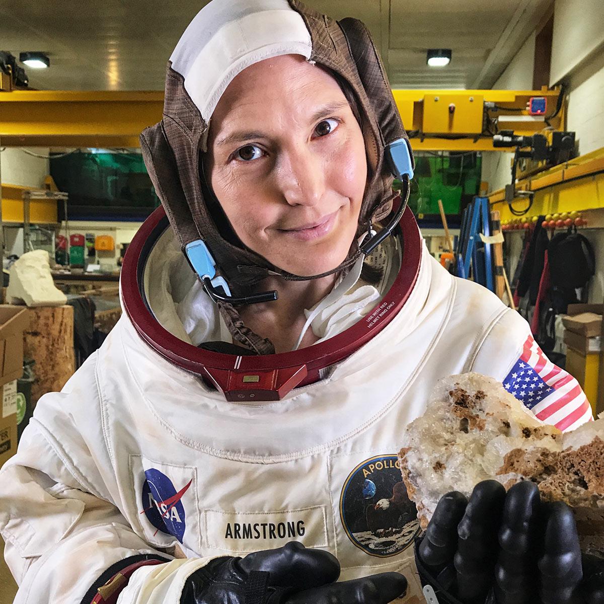- Model: Dr Helen Czerski [not included)