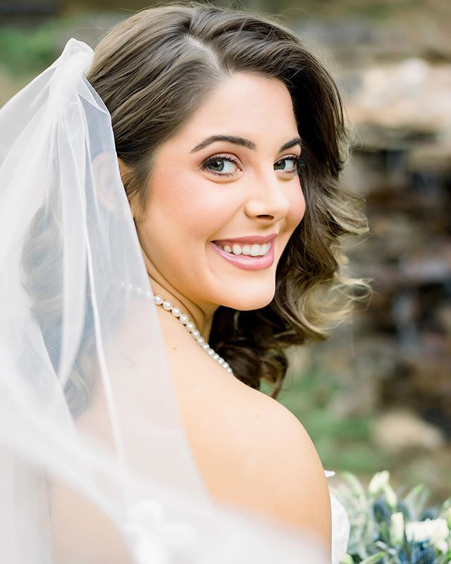 Kenzie was a GORGEOUS bride!!!