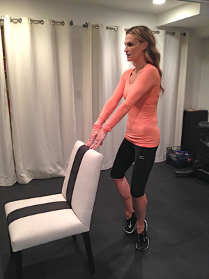 molly-sims-chair-workout-3.jpg