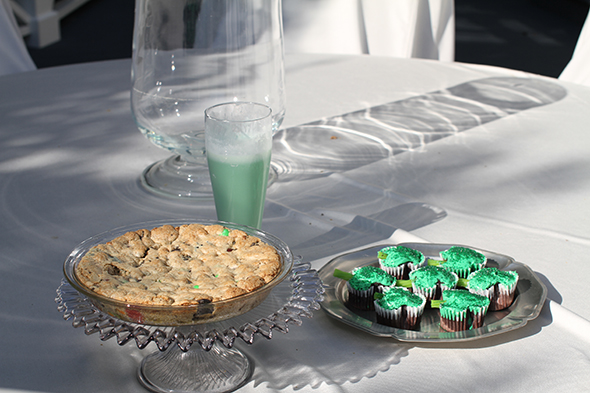 molly-sims-st-patricks-day-desserts.jpg