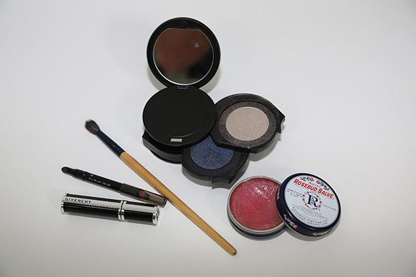 midnight-smokey-eye-products-molly-sims.jpg