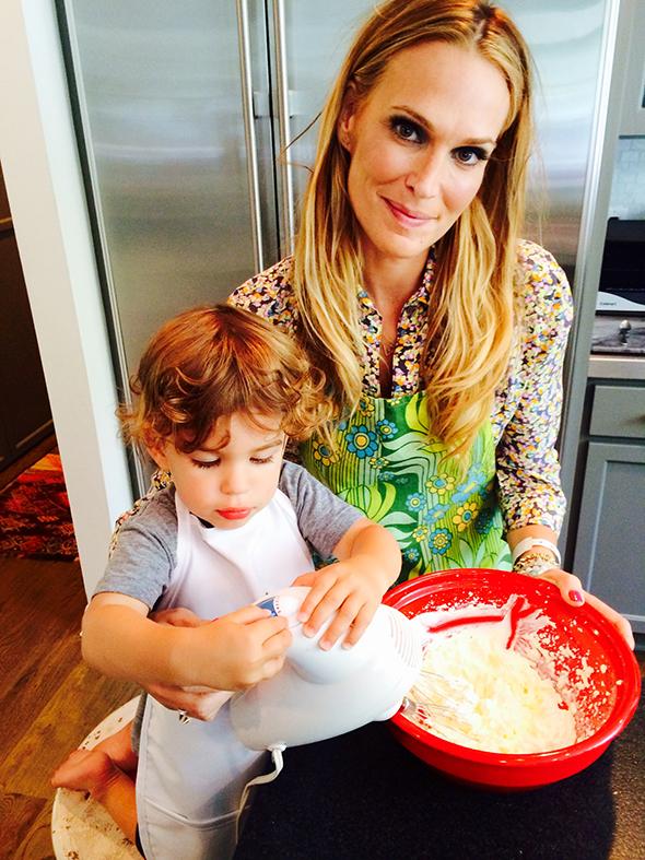 molly-sims-lava-cake-recipe-raddish-kids.jpg