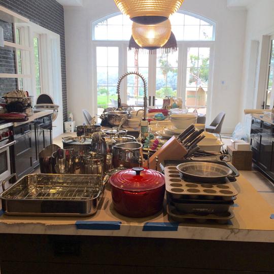 De-Clutter-Your-Life-Kitchen.jpg