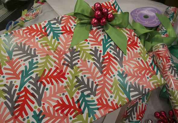how-to-wrap-presents-10.jpg