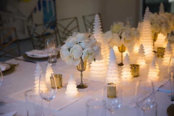 white-christmas-tablescape-1.jpg