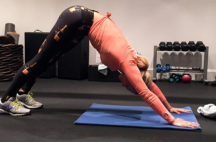 molly-sims-yoga-2.jpg