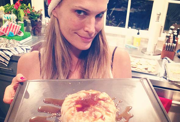 molly-sims-baked-brie-holiday-treats-recipe-featured-3.jpg