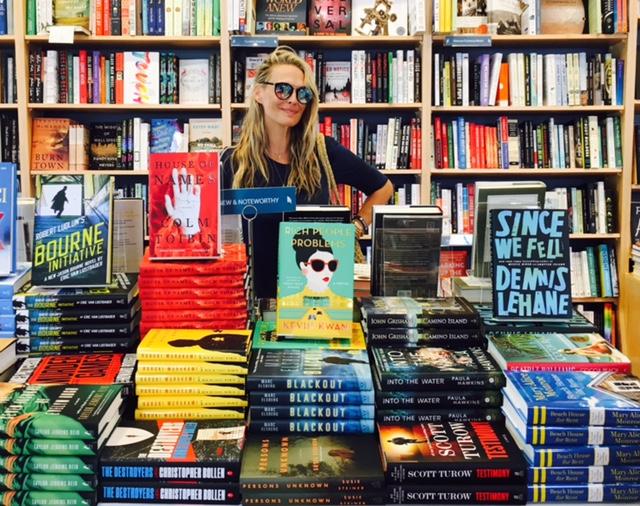 Molly-in-bookstore.jpg