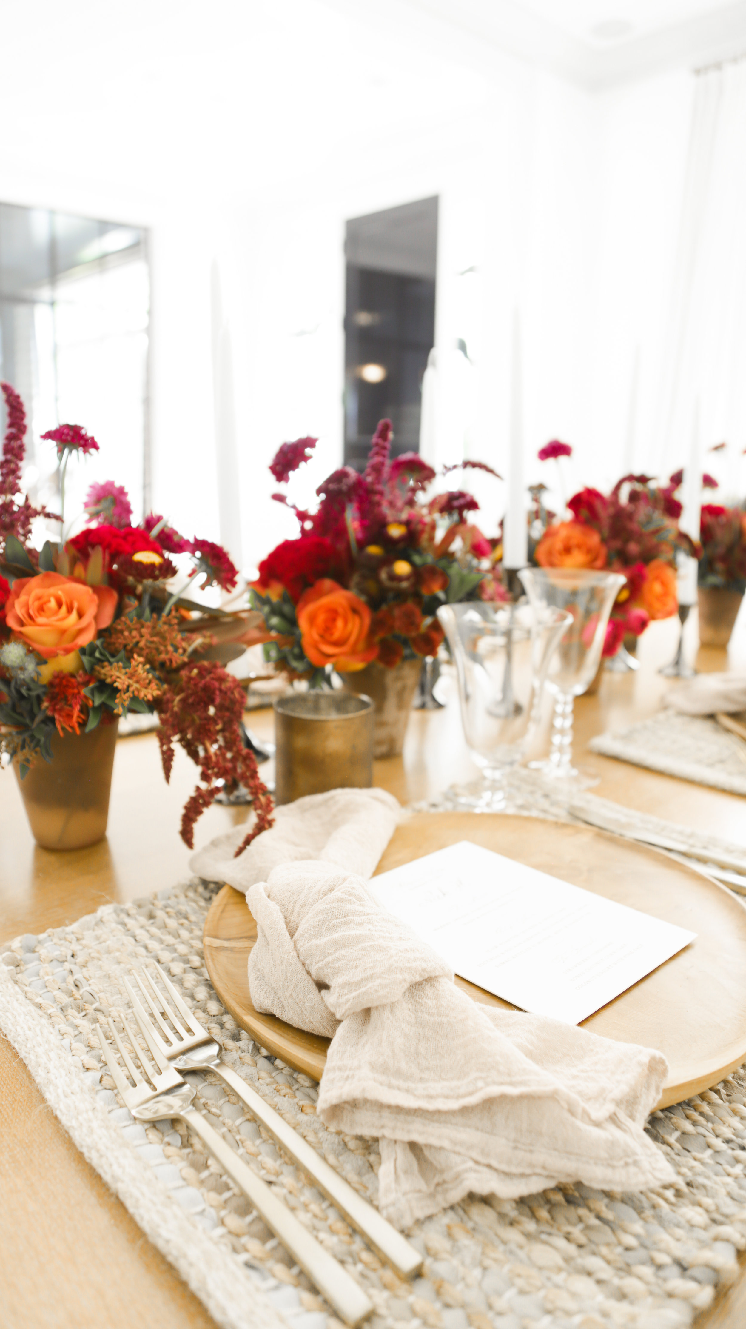 Molly Sims - A Rustic & Chic Fall Tablescape With Mimi Brown - photography by Erica Hampton