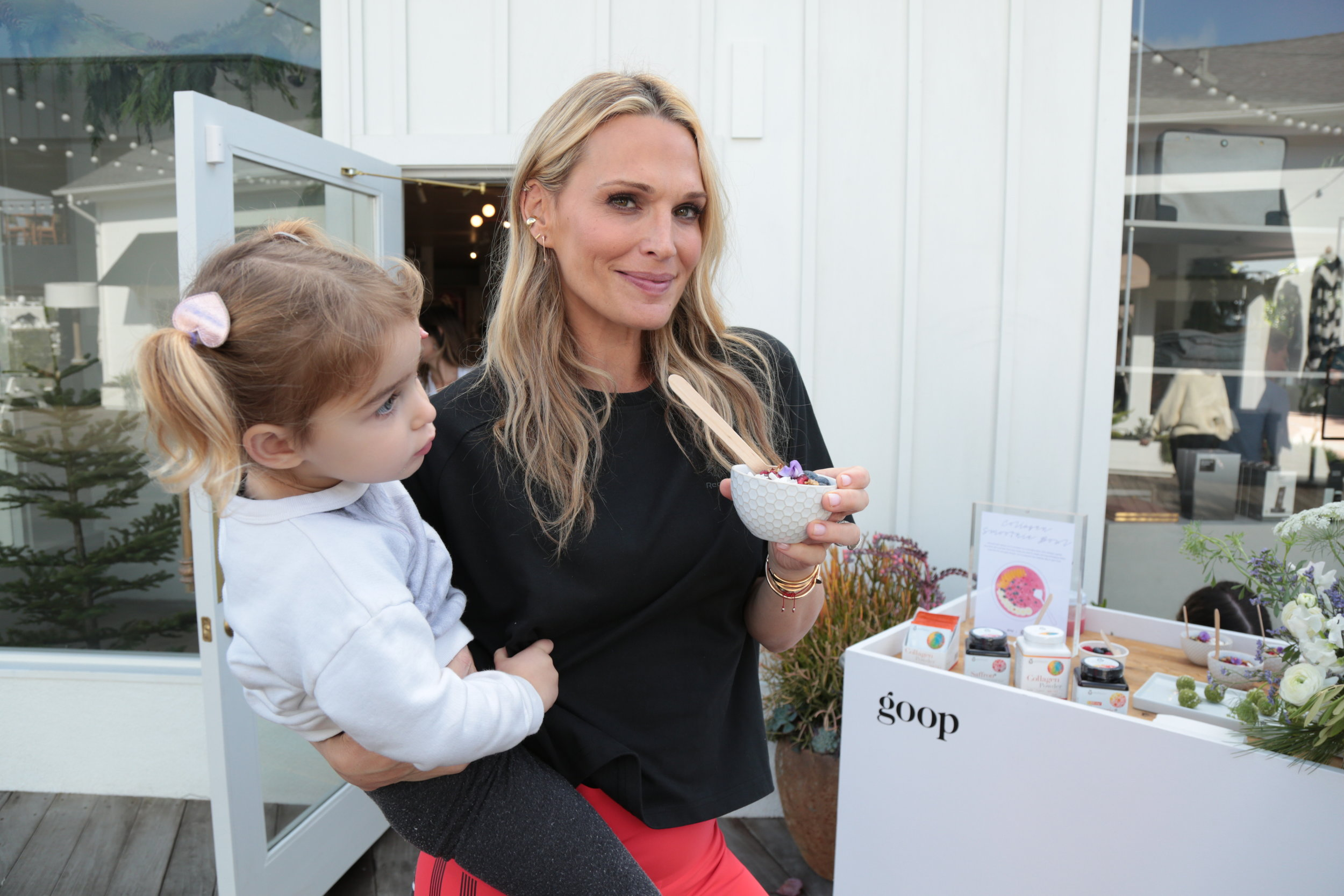 Mommy and Me Yoga With Goop & YouTheory In Lido Marina Village Photography: Alex J. Berlinger/ ABImages